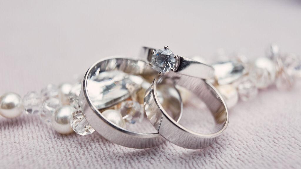 Soñar con joyas de plata