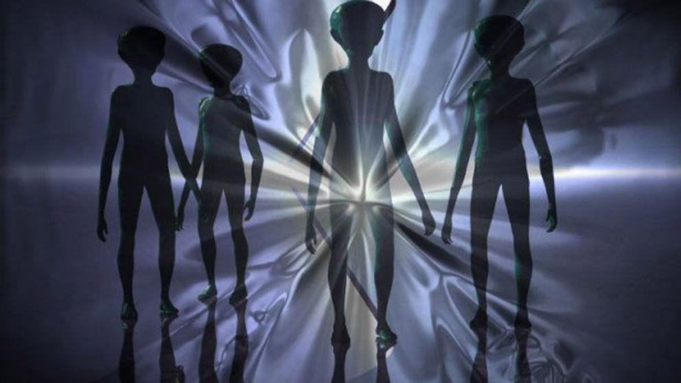Soñar con muchos extraterrestres