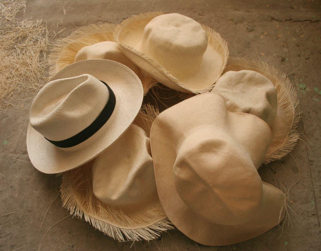 Soñar con muchos sombreros